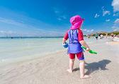 Kid op strand — Stockfoto