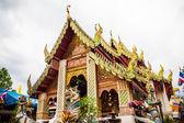 Ancien temple bouddhiste dans chaingmai, thailand — Photo