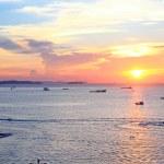 Sun set at Pattaya beach in Twilight time, Thailand — Stock Photo #47052291