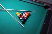 A Pool Table, set up for a game — Stock Photo