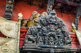 Monkeys near Swayambhunath stupa in Kathmandu — Stock Photo