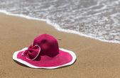 Pembe şapka — Stok fotoğraf