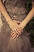 Beautiful bride's hands with diamond ring — Stock Photo