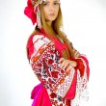 Girl in national costume — Stock Photo #41109751