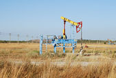 Pumpjack in Crimean steppe in Ukraine — Stock Photo