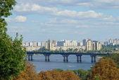 River in city — Stock Photo
