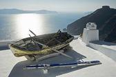 Boot auf dem Dach — Stockfoto