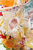 オレンジ色の花の冷凍の花束 — ストック写真