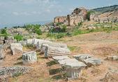 Ruins of acropolis Hierapolis in Pamukkale, Turkey — Stock Photo