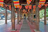 Die gebäude des tempels des zahnes in kandy, sri lanka — Stockfoto