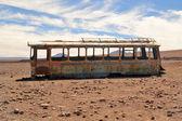 Autobus abbandonati nel deserto — Foto Stock