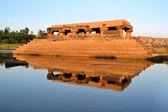 Water temple in Tungabhadra river, India, Hampi — Stock Photo
