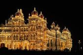 Mysore Palace in India illuminated at night — Foto Stock