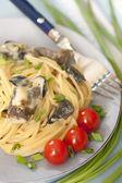 Spaghetti with wild mushrooms — Stock Photo