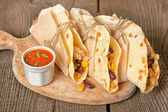 Tortillas with chicken, vegetables and cheese — Stock Photo