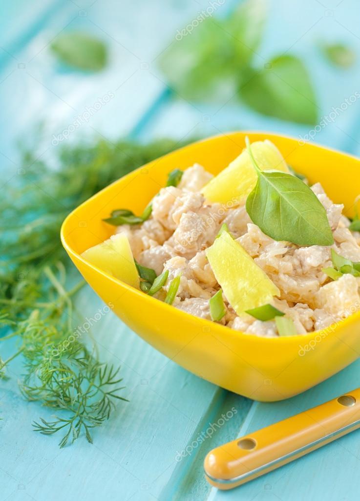 Рецепт салата из ананаса и курицы простые и вкусные