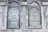 The sculpture on temple wall in Thailand which open for public — 图库照片