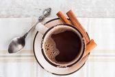 Kaffeetasse mit zimt — Stockfoto