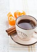 Káva se skořicí a mandarinka — Stock fotografie