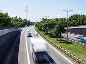 高速道路上の車 — ストック写真