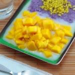 Mango sticky rice. — Stock Photo