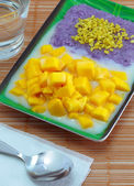 Mango sticky rice. — Stock Photo
