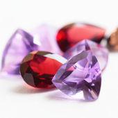 Colorful gemstones with garnet, quartz and amethyst stones — Stock Photo