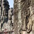 Apsara relief status in the angkor thom temple — Stock Photo