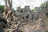 Ancient ruins at the Angkor Wat, Cambodia — Stockfoto