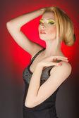 Ung flicka med vacker make-up — Stockfoto