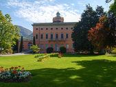 Villa Ciani in the botanical garden of the city of Lugano — Stock Photo