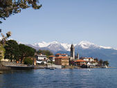 The lake and the village  of Cremia — Foto Stock