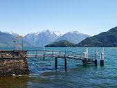 Pier op het meer — Stockfoto