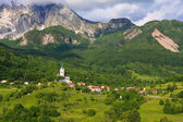Alpine village Dreznica under Krn mountain — Stock Photo