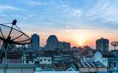 Satellite dish sky sunset — Foto de Stock