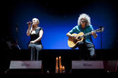 "Brian May from Queen performs with Kerry Elils during ""Acoustic by Candlelight Tour"" at the Republic Palace on March 21, 2014 in Minsk, Belarus — Stock Photo"