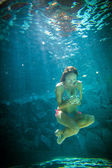 Young woman underwater — Stock Photo