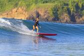 Surfer girl — Stock Photo