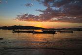рыбы лодка на рассвете в азии — Стоковое фото