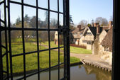 HEVER CASTLE AND GARDENS, KENT, UK - MARCH 10, 2014: View from castle on the 250 acre park. 13th century  Tudor manor — Stock Photo