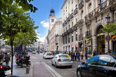 MADRID, SPAIN - MAY 28, 2014: Madrid city centre, Puerta del Sol square one of the famous landmarks of the capital This is the 0 Km point of the radial network of Spanish roads. — Stock Photo