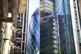 LONDON, UK - APRIL 24, 2014: Modern architecture City of London, Lloyd's bank — Photo