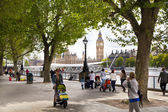 LONDON, UK - JULY 14, 2014: Big Ben and houses of Parliament on the river Thames, London UK — Zdjęcie stockowe