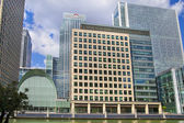 LONDON, UK - JUNE 24, 2014: Modern architecture Canary Wharf the leading centre of global finance — Stockfoto