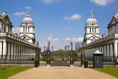 LONDON UK - MAY 15, 2014: View on business district Canary Wharf from old English park Greenwich, south of London — Stock Photo