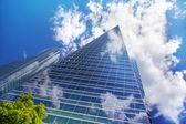 мадрид, испания - 28 мая 2014: город мадрид, бизнес-центр, современные небоскребы, куатро торрес высотой 250 метров — Стоковое фото