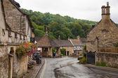 Chippenham, wiltshire, regno unito - 9 agosto, 2014: castle combe, unico villaggio inglese antico e lusso golf club — Foto Stock