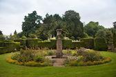 Chippenham, wiltshire, storbritannien - augusti 9, 2014: castle combe, unika gamla engelska byn och lyxiga golf club — Stockfoto