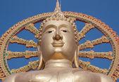 Statue of Big Buddha on blue sky background — Stock Photo
