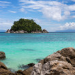 Boulders on Sunrise beach, koh Lipe, Thailand — Stock Photo